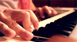 デジタルピアノ演奏イメージ拡大画像
