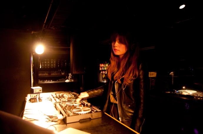 DJ Mayuさんのプレイ