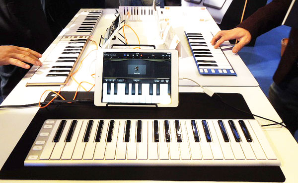 Xkeyの37鍵盤