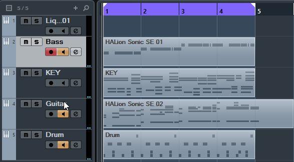 まだ4小節ですが、これから展開していきます。ミキサーを使って音のバランスも整えましょう。
